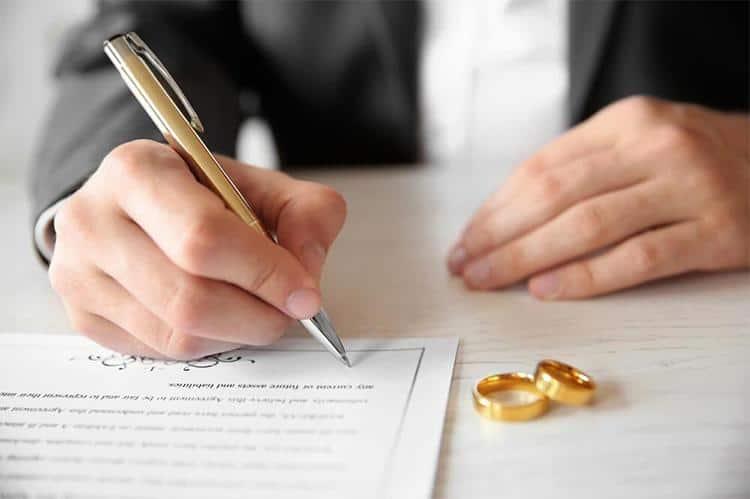 Картинки по запросу шлюбний контракт недовіра